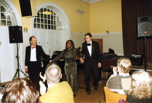 1999-01-27Nytårsgalla Jazz trio Lars Broggaard-Debbie Cameron-Thomas Rasmussen002